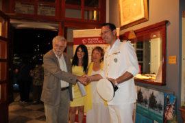 Από αριστερά: κ. Θ. Δρίτσας, κ. Μ Σωτηροπούλου, κ. Ελ. Σταμάτη με τον Διοικητή ΑΕΝ κ. Ευαγγ. Δανόπουλο